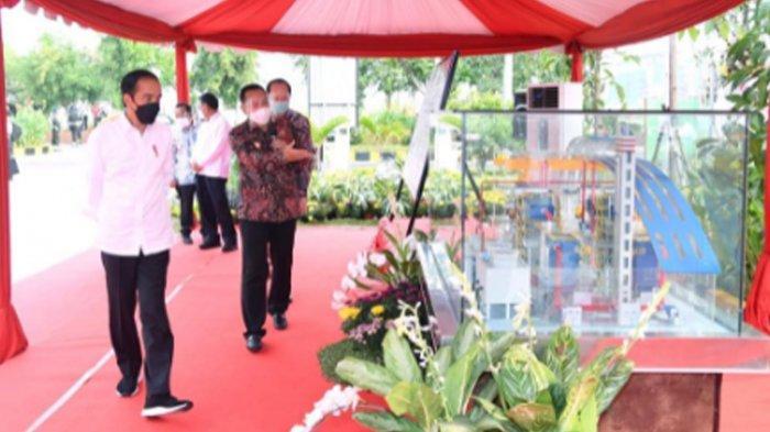 Presiden Joko Widodo dalam acara peresmian Instalasi Pengolah Sampah Menjadi Energi Listrik (PSEL) di TPA Benowo Kota Surabaya, Kamis (6/5/2021).