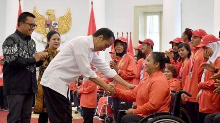 Presiden Jokowi Serahkan Bonus untuk Atlet Asian Para Games 2018 Secara Langsung di Istana Bogor