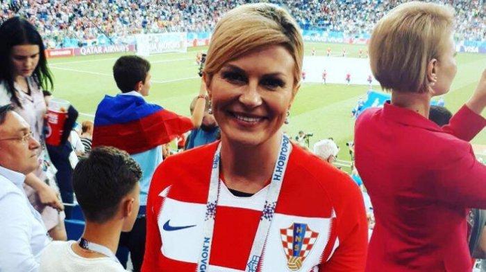 Curi Perhatian, Intip Foto-foto Presiden Kroasia Saat Nonton Piala Dunia 2018 di Rusia