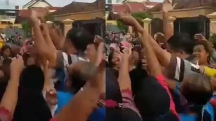 Pasca Video Sebar Uangnya Viral, Begini Nasib Kades Kepuh Tulungagung yang Dinilai Melanggar Prokes