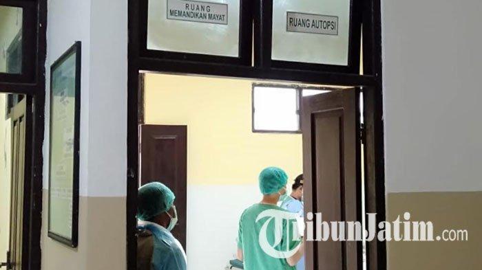 DVI Polda Jatim Autopsi Mayat Misterius yang Terdampar di Pantai Lon Malang Sampang