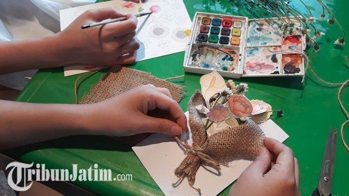 Cara Mudah Membuat Kartu Ucapan Bouquet Card Di Rumah Ala Artemyst Studio Berikut Langkahnya Tribun Jatim