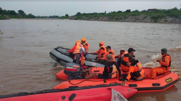 Dua Korban Tenggelam Perahu Penyeberangan Sungai Brantas Ditemukan Meninggal Dunia