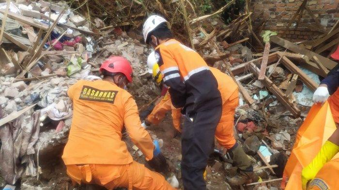 3 Jenazah Warga Tertimbun Longsor di Nganjuk Berhasil Ditemukan, 7 Orang Korban Hilang Masih Dicari