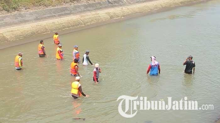 Ibu yang Jatuh dan Hilang di Anak Sungai Brantas Kediri Ditemukan dalam Keadaan Meninggal