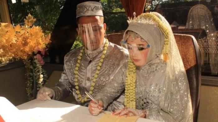VIRAL Pasangan Pengantin Nikah di Bus, Opsi Terakhir Imbas PPKM Darurat, Berikut Rute Perjalanannya