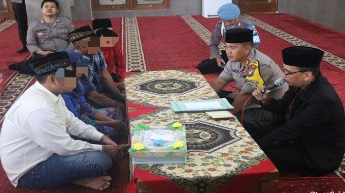 Kisah Haru Tahanan Menikah di Masjid Polres Bojonegoro, Lega Seusai Ijab Kabul, 'Tak Sangka Nikah'