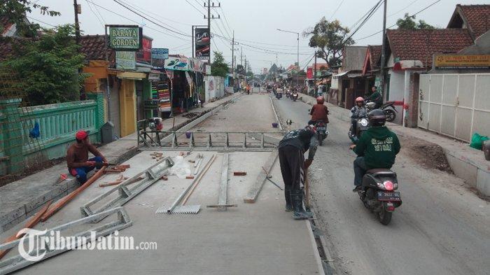 Ilustrasi - Proyek pembangunan jalan beton