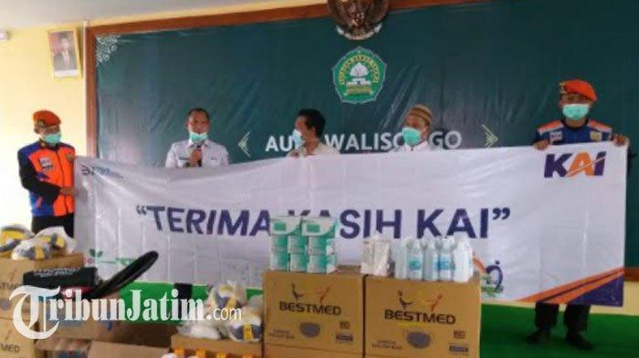 Peduli Covid-19, PT KAI Daop 8 Surabaya Sumbang Bantuan untuk Ponpes Ngalah