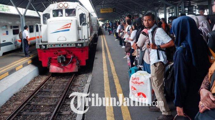 Libur Natal dan Tahun Baru, PT KAI Daop 8 Surabaya Angkut 837.588 Penumpang