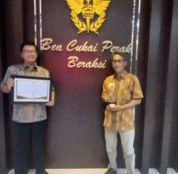 Sumbang Devisa Ekspor Terbesar, PT Smelting Raih Award dari Bea Cukai KPPBC TMP Tanjung Perak