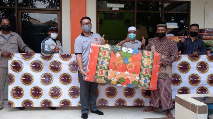 Peduli Yatim, PT Smelting Salurkan Kasur dan Rak ke Panti Asuhan Ibnu Hajar Surabaya