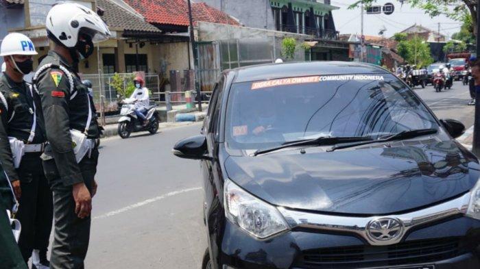 Polisi Militer Razia Atribut dan Stiker TNI di Kendaraan Sipil Kota Mojokerto
