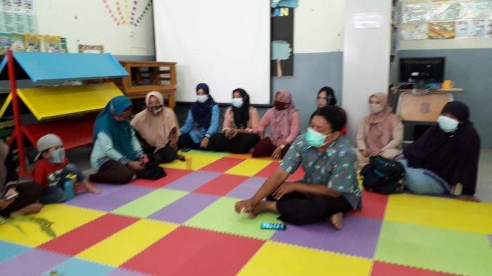 Cerita Siswa SD di Surabaya Ajari Warga Olah Pupuk Organik Cair untuk Selamatkan Lingkungan