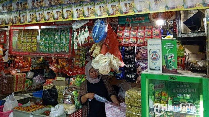 Larangan Penggunaan Plastik Sekali Pakai oleh Pemkot, Pedagang Pasar Wonokromo Bereaksi 'Malah Enak'