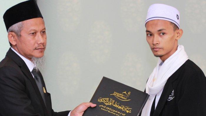 Mahasiswa STIDKI Ar Rahmah Wakili Indonesia Menjadi Imam Masjid di Uni Emirat Arab