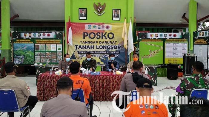 Rakor dan evaluasi Posko Tanggap Darurat tanah longsor di Dusun Selopuro, Desa Ngetos, Kecamatan Ngetos, Kabupaten Nganjuk, Rabu (17/2/2021).
