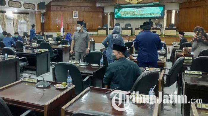 Rapat Paripurna Tak Dihadiri Bupati & Wakil Bupati Tuban, Ketua DPRD Ingatkan Sinergitas Harus Baik