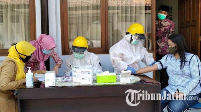 Kabupaten Nganjuk Dapat 6.368 Dosis Vaksin Covid-19 Tahap Awal, Prioritas untuk Tenaga Kesehatan