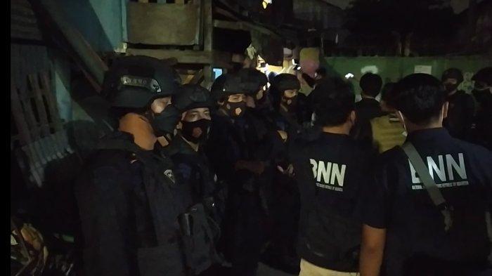 Dini Hari Permukiman Padat Jalan Kunti Didatangi Ratusan Polisi, Warga Sontak Terbangun dari Tidur