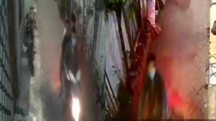 3 Bandit Obok-obok Kampung di Surabaya, Motor Warga Raib, Tak Sadar Terekam CCTV