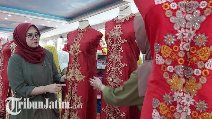 Rekomendasi Busana Sambut Tahun Baru Imek, Kebaya Merah Kombinasi Kuning Keemasan Bisa Jadi Pilihan