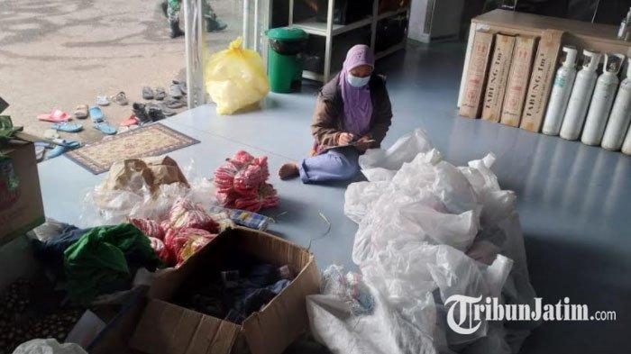 Bantu Kebutuhan Pasien Klaster Madura, Tim Unit Bantuan Bencana Alam FK Unair Kirimkan Logistik