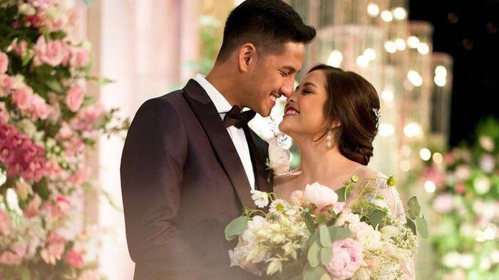 Resepsi pernikahan Tasya Kamila dan Randi Bachtiar.
