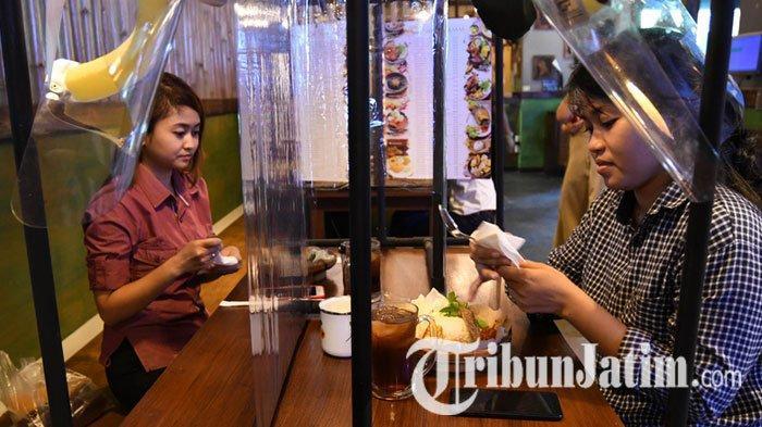 NEWS VIDEO: Restoran di Plaza Marina Wajib Pasang Sekat Meja, Buku Menu Digantung Biar Tak Sentuhan