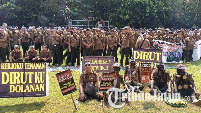 Ribuan Karyawan Perhutani Geruduk Pusdikbang SDM Madiun, Tuntut Kesetaraan Gaji & Direkturnya Mundur