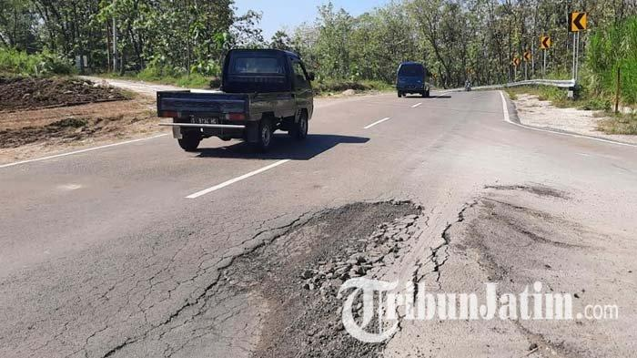 Jalan Ring Road Tuban Mulai Bergelombang dan Berlubang, Padahal Belum Satu Bulan Beroperasi