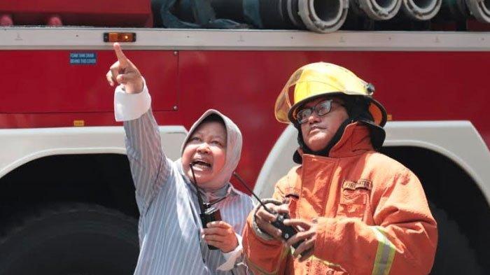 Risma Turun Tangan BantuPadamkan Toko UFO Kertajaya Terbakar, Fraksi PSI Surabaya Beri Apresiasi