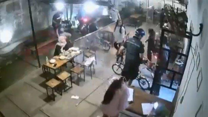 Video Rombongan Gowes Arogan Masuk Kafe Naik Sepeda Brompton Viral, Ditegur Pelayan Malah Ngeyel