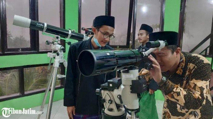'Alhamdulillah' Hilal Terlihat di Tuban, 3 Saksi dari Tim Badan Hisab Rukyat Kemenag Tuban Disumpah