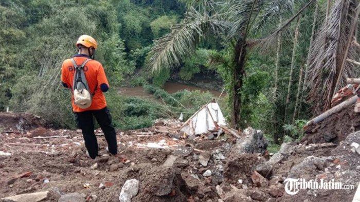 Kaget Suara Petasan Ternyata Plengsengan Ambrol di Bumiayu Kota Malang, Satu Rumah Hanyut Ikut Arus