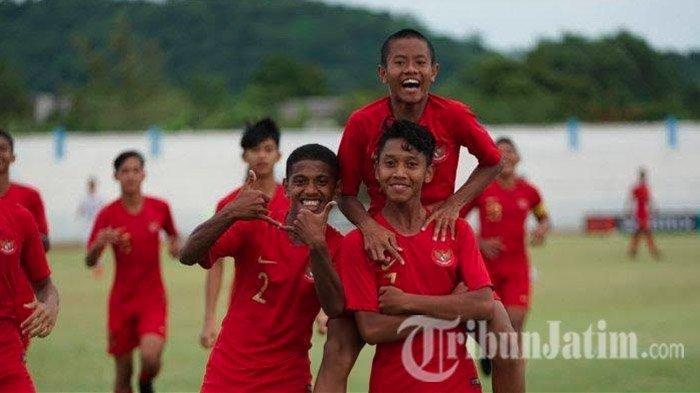 Gelandang Timnas U-16 Manfaatkan Latihan Online Untuk Bersilaturahmi dengan Teman-temannya