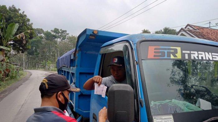 Imbas Zona Hitam Mobilitas, Truk Pasir Lumajang Dilarang Beroperasi Luar Kota