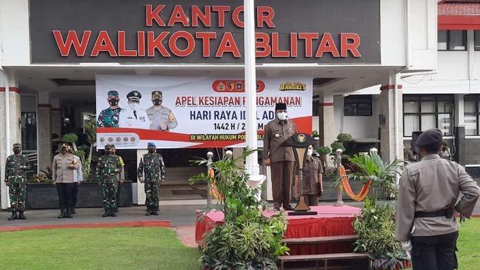 Wali Kota Blitar Santoso Pimpin Apel Pasukan Pengamanan Hari Raya Idul Adha 2021