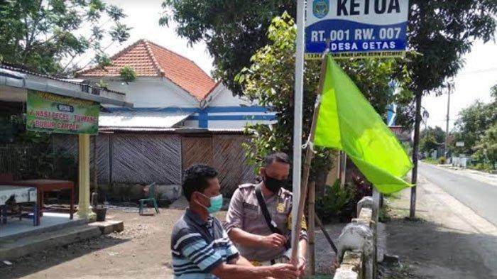 Rumah RT di Nganjuk Dipasangi Bendera Sesuai Zonasi Covid-19, Permudah Pemantauan Saat PPKM Mikro