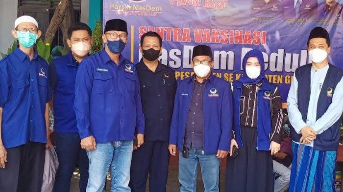 Bantu Kejar Herd Immunity, Satgas NasDem Jawa Timur Tinjau Vaksinasi di Ponpes Al Qonaah Gresik