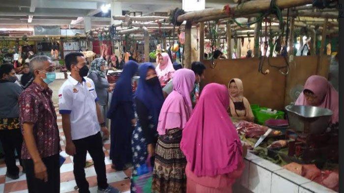 Sidak ke Pasar Sampang, Satgas Beri Peringatan Agar Pedagang Tidak Curang: Bisa Ditangkap