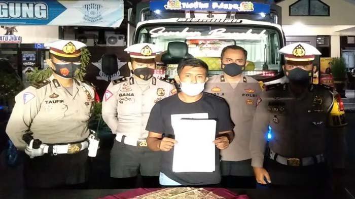 Viral Truk Oleng 'Menari-nari' di Jalanan, Sopir Asal Malang Minta Maaf: Buat Seru-seruan