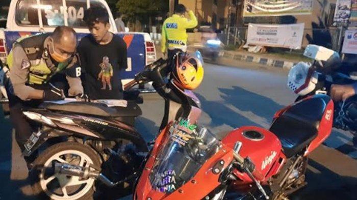 Patroli Antisipasi Balap Liar, Satlantas Polres Ponorogo Amankan 26 Unit Motor di Jalan Suromenggolo