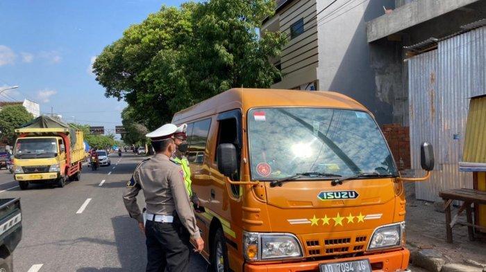Travel Gelap dari Wonogiri Tujuan Surabaya Kepergok Satlantas Polres Ponorogo: Tak Lengkapi Dokumen