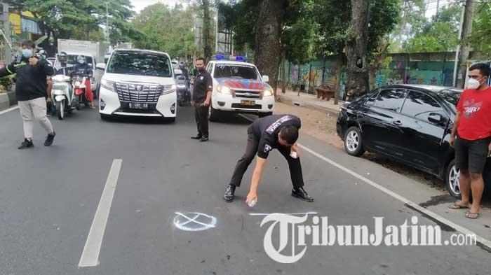 Akibat Berpindah Lajur Mendadak, Pengendara Motor di Malang Tewas Tertabrak Mobil