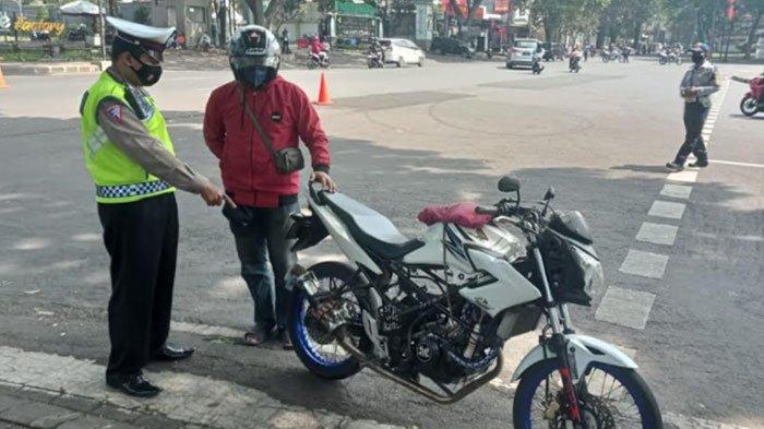 Gunakan Knalpot Brong, Ratusan Kendaaran di Kota Malang Ditilang, Ada Sanksi Sosial Membuat Video