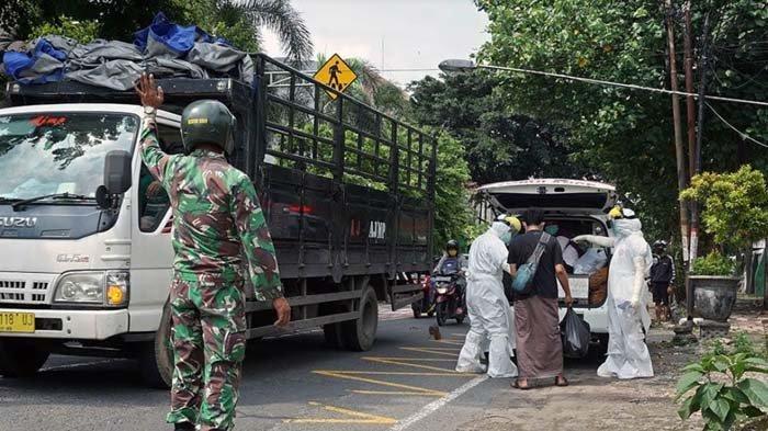Warga Kediri yang Isoman Meninggal di Rumah, BPBD dan Satpol PP Bersinergi Jemput Jenazah Covid-19