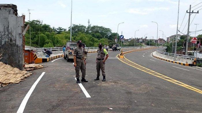 Jembatan Fly Over Kedungkandang Kota Malang Jadi Lokasi CFD Dadakan, Satpol PP Gelar Patroli