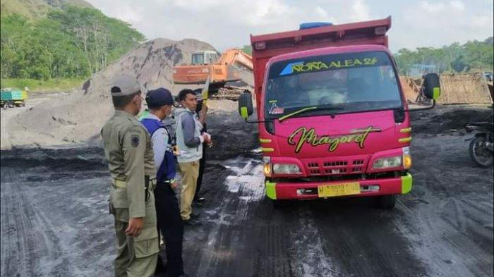 Cegah Kecolongan SKAB, Satpol PP Lumajang Razia Sopir Truk di Mulut Tambang
