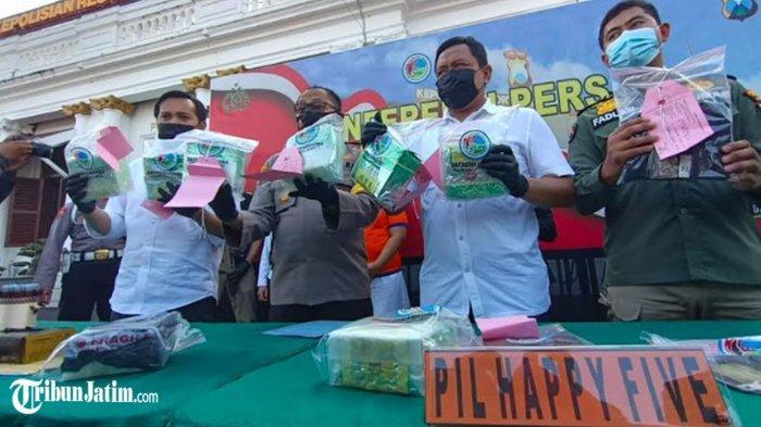 Tangkap 2 Kurir Sabu Jaringan Lapas Jatim,Polrestabes Surabaya Sita 8 Kilo Sabu dan Obat Terlarang